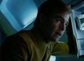 『スター・トレック BEYOND』クリス・パインが新たな謎の敵と戦う迫力の予告編が解禁!現地ファンミも超楽しそうすぎる!!【動画】
