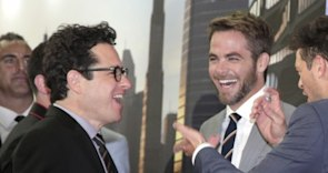 'Star Trek Into Darkness' Premiere: Chris Pine, J.J. Abrams Giggly in Australia (PHOTOS)