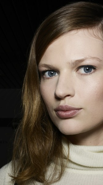 Makeup tips for an instant face lift