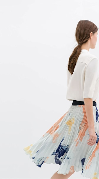 Want: Pretty pleated skirt from Zara