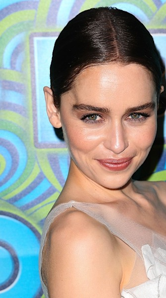 Look of the week: Emilia Clarke's super smoky eye look at the Emmys