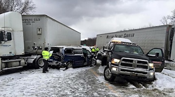 Massive pileup shuts down I-90 in Lake County, Ohio