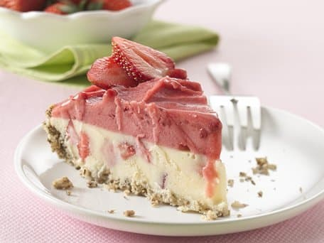 Healthified Frozen Strawberry Cheesecake