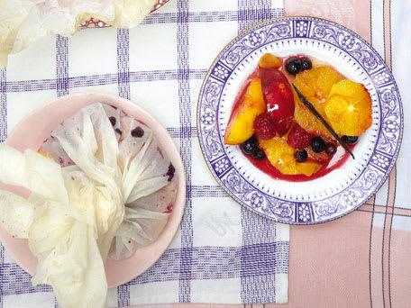 Baked Summer Fruit Bundles