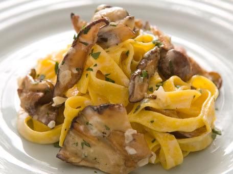 Tagliatelle with Wild Mushrooms, Garlic & Thyme