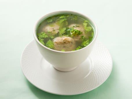 Light and Fluffy Matzo Balls in Chicken Soup