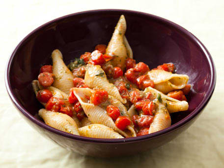 Pasta with Cherry Tomatoes and Almond Pesto