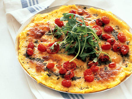 Polenta Pizzas with Mozzarella, Baby Tomatoes and Arugula