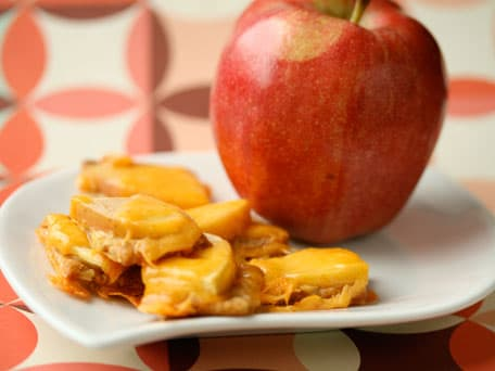 Image of Apple And Cheddar Cracker Snack, Kitchen Daily