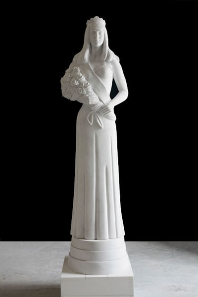 Beauty Queen Totem, Carrara Bianco Marble, 11 ft.
