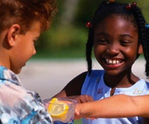 Help Your Kids Create a Great Lemonade Stand