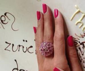 Mani of the Day: Heidi\'s Fave Pink