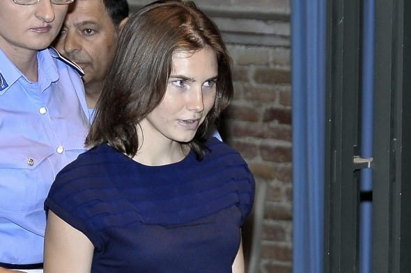 amanda knox trial evidence. Amanda Knox arrives in court