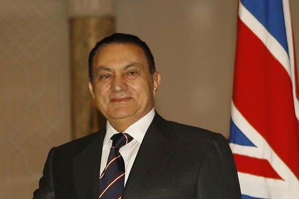 مسرحيه القبض علي حسني مبارك وعائلته البريطانيه