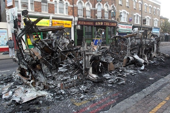 Riots in London N0242931312714190169A
