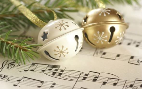 The Ultimate Holiday Playlist: Festive Songs for Entertaining