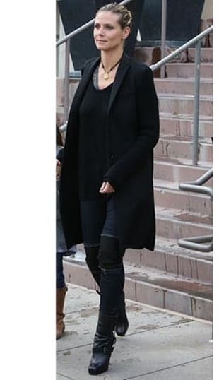 Look of the Day: No-Fail Black Coat
