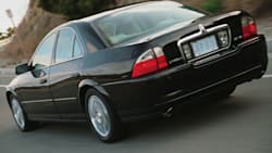 (V6 Luxury) 4dr Sedan