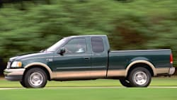 (Lariat) 4x2 SuperCab Styleside 138.5 in. WB