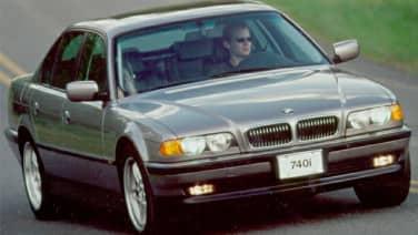 (i Long-Wheel Base) 4dr Sedan