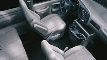 (LS) G2500 Passenger Van