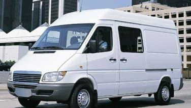 (HC) Cargo Van 140 in. WB DRW