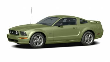 (GT Deluxe) 2dr Coupe
