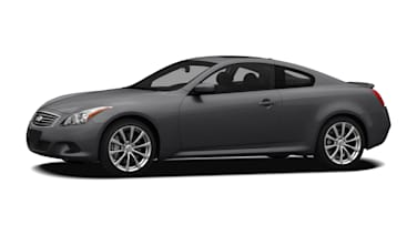 (Sport) 2dr Rear-wheel Drive Coupe