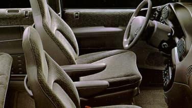 (Base) 4dr Front-wheel Drive Passenger Van