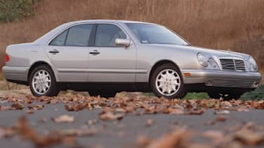 (Base) E300 Diesel 4dr Sedan