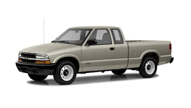 (LS) 4x2 Extended Cab 122.9 in. WB