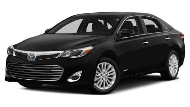 (XLE Premium) 4dr Sedan