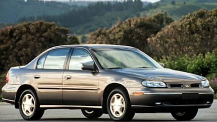 1999 Oldsmobile Cutlass - 4dr Sedan (GLS)