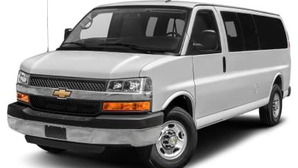 2017 Chevrolet Express 3500 - Rear-wheel Drive Extended Passenger Van (LS)
