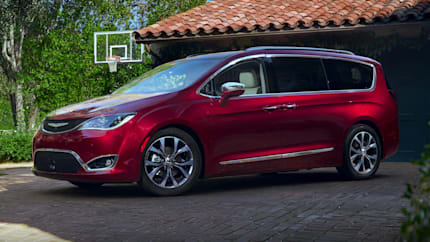 2018 Chrysler Pacifica - Front-wheel Drive Passenger Van (L)
