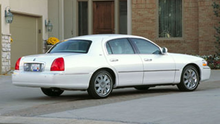 Lincoln Town Car Cartier edition: Timeless retread