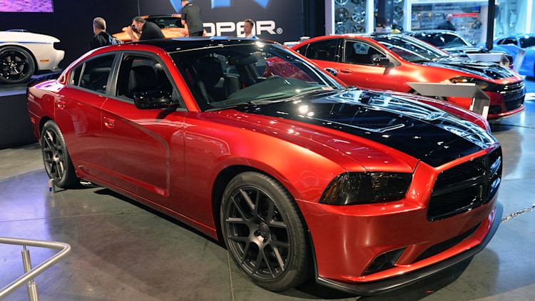 2014 dodge charger scat package sema 2013 photo gallery autoblog. Black Bedroom Furniture Sets. Home Design Ideas