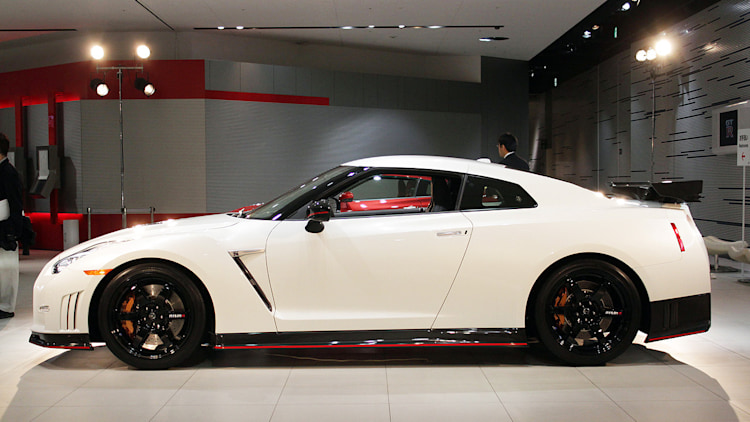 2015 nissan gt r nismo is japanese for zero competition autoblog. Black Bedroom Furniture Sets. Home Design Ideas