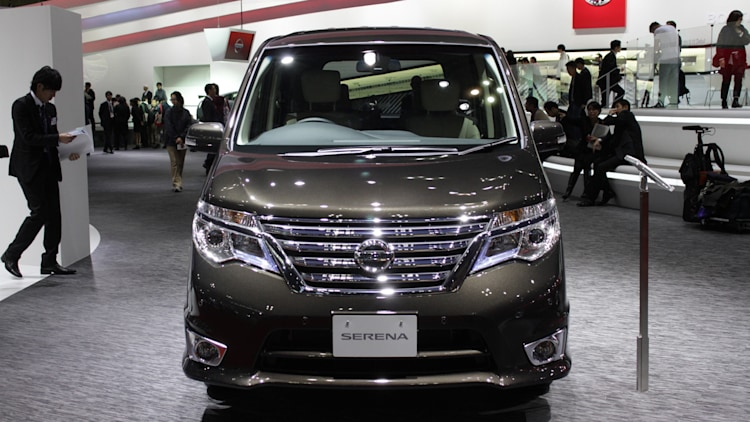 2014 Nissan Serena Offers Big