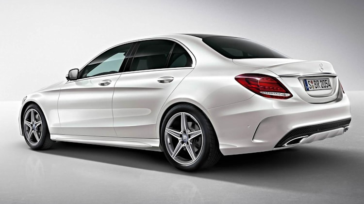 mercedes fits new c class with amg kit autoblog. Black Bedroom Furniture Sets. Home Design Ideas