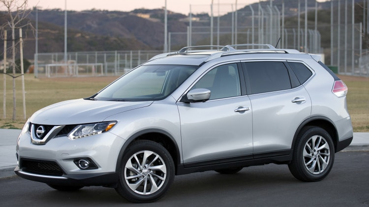 Nissan recalling 34k Rogues for sliding out of Park - Autoblog