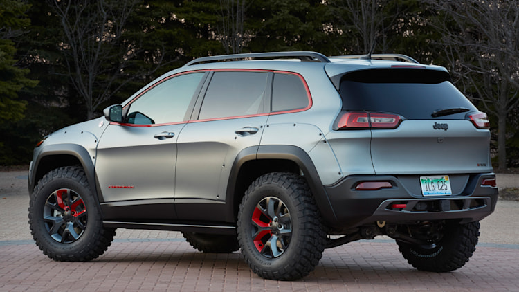 why mopar won 39 t release a factory lift kit for the new jeep cherokee autoblog. Black Bedroom Furniture Sets. Home Design Ideas