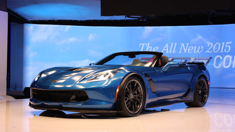 2015 chevy corvette z06 convertible is a topless temptress autoblog. Black Bedroom Furniture Sets. Home Design Ideas