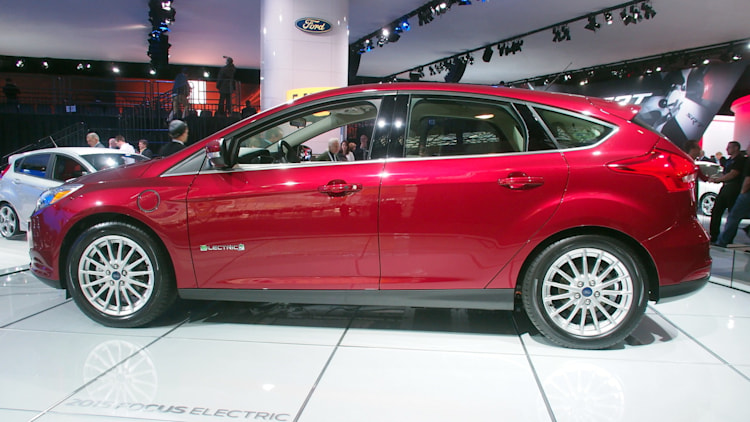 2017 ford focus ev 39 s range should grow by 45 autoblog. Cars Review. Best American Auto & Cars Review