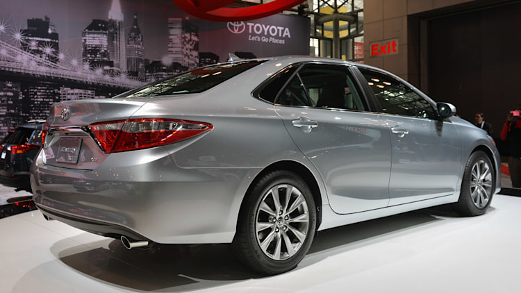 2015 toyota camry priced at 22 970 hybrid at 26 790. Black Bedroom Furniture Sets. Home Design Ideas