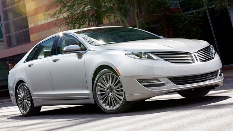 Luxury Midsize Sedan - Lincoln MKZ Hybrid