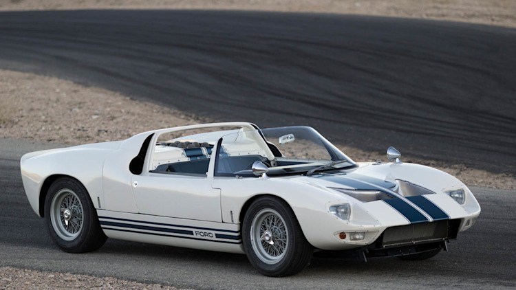 1964 - 1969 Ford GT40 | car review @ Top Speed