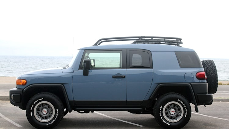 2014 Toyota FJ Cruiser Ultimate Edition Quick Spin Photo Gallery