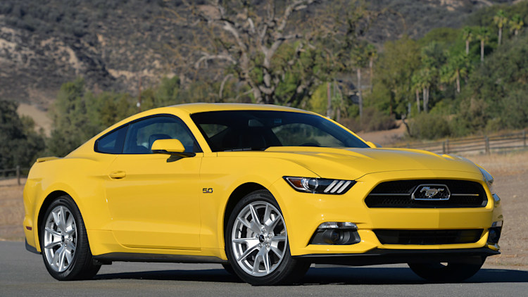 2015 ford mustang gt first drive w video autoblog. Black Bedroom Furniture Sets. Home Design Ideas