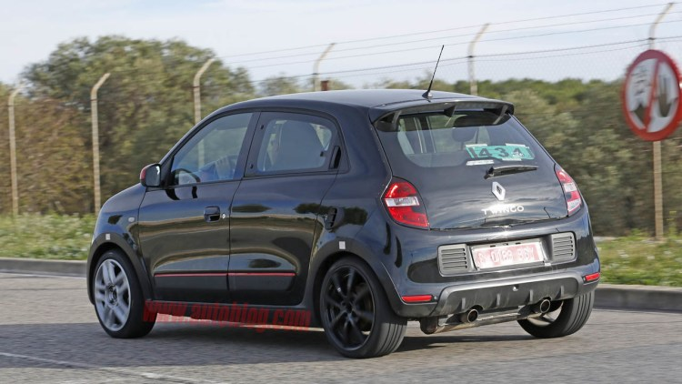 2016 renault twingo rs spy shots photo gallery autoblog. Black Bedroom Furniture Sets. Home Design Ideas